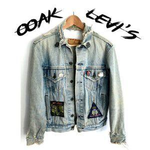 LEVIS Destroyed Metal Distressed Denim Jacket Med